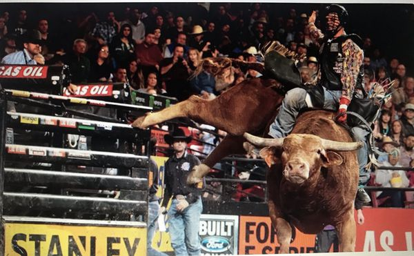 PBR TICKETS. ( PLEASE ONLY SERIOUS BUYERS)