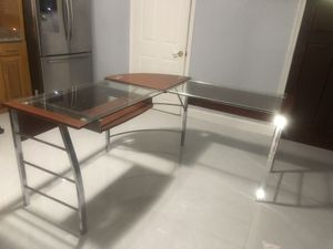 Corner wood and glass top desk for Sale in Miami, FL