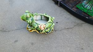 Frog flower pot for Sale in Holiday, FL