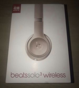 Beats Solo 3 Wireless Special Edition Rose Gold 💕2 years warranty for Sale in San Diego, CA