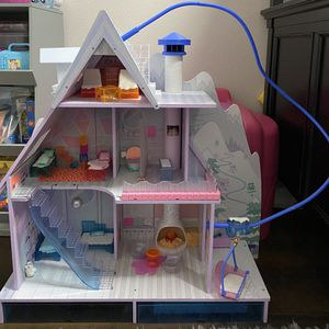 Lol Surprise Winter Disco Chalet Wooden Doll House for Sale in Menifee, CA
