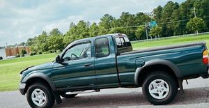 2002 Toyota Tacoma Excellent for Sale in Hartford, CT