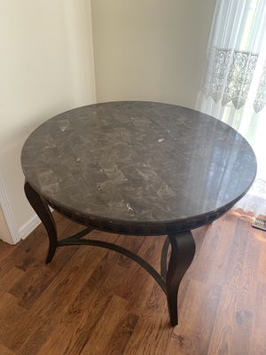 Italian marvel table 95$!! for Sale in Conyers, GA