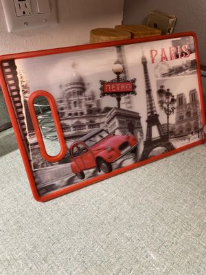 New never used Cuisinart 3D Paris themed cutting board for Sale in Chicago, IL