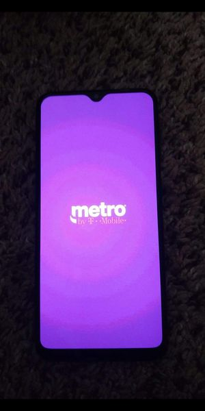 Samsung galaxy a20 with charger for Sale in Oxford, OH
