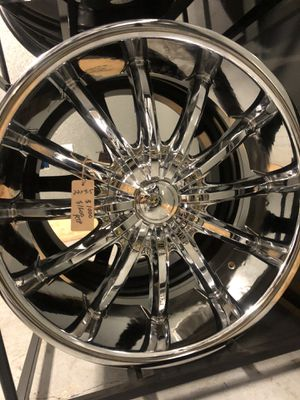 BRAND NEW set (4) Chrome 22 inch rims for only $1000!!! for Sale in Tacoma, WA