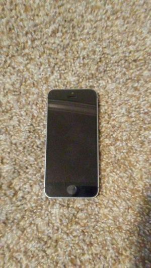 Iphone 5s, gray, Straight Talk for Sale in Cochran, GA