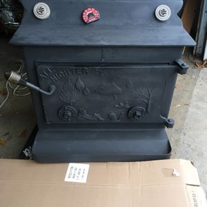 Big MOE ALL NIGHTER EXTRA LARGE WOOD BURNING STOVE WOODSTOVE for Sale in Brookfield, CT
