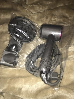 Dyson Supersonic Hairdryer for Sale in Chicago, IL