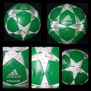 SOCCER BALL BRAND NEW MATCH BALL FIFA APPROVED CHAMPIONS LEAGUE NOT REPLICA OR TRAINING OFFICIAL SOCCER MATCH BALL SIZE 5. CASH ONLY NO DELIVERY, PIC for Sale in Lincolnia, VA