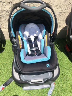 Baby trend infant car seat like new for Sale in Los Angeles, CA