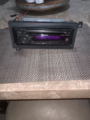 Stereo kENWOOD for Sale in Woodlake, CA