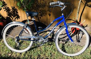 Ladies Classic 6 Speed Cruiser Bike for Someone 5'10 - 6' Tall for Sale in Tampa, FL