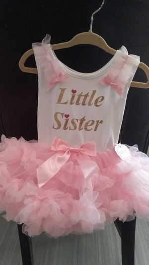 Toddler dresses sizes 12m- 18m for Sale in Crestview, FL