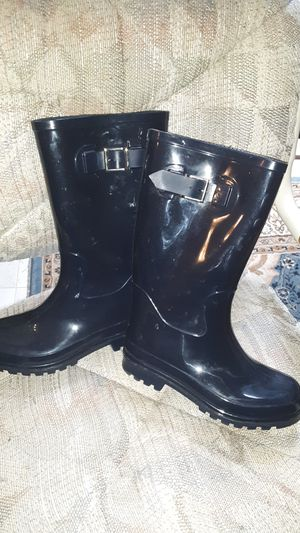 Navy blue rain boots size womans 7 for Sale in Everett, WA