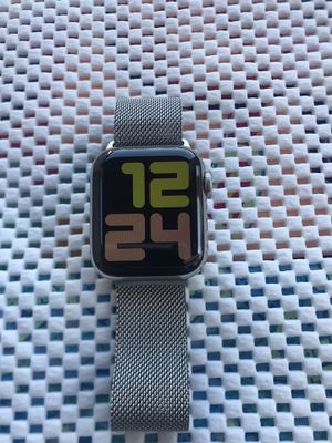 Apple Watch Series 5 Stainless Steel ( 40mm ) GPS+Cellular for Sale in Hacienda Heights, CA