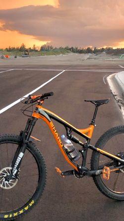 2016 Haro Full Suspension , Mountain Bike , Dirt Jumper , Stump Jumper , Bicycle , Bike for Sale in Hialeah,  FL