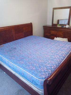 3 pc King size Bedroom set with Matress and boxspring for Sale in Houston, TX
