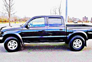 ֆ14OO 4WD Toyota Tacoma 4WD for Sale in Berkey, OH