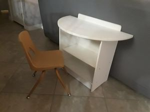 Custom kids desk and chair for Sale in Las Vegas, NV