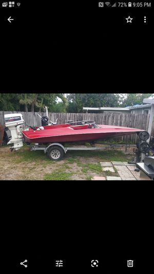 Only selling motor (Boat Not For Sale). for Sale in Pembroke Pines, FL