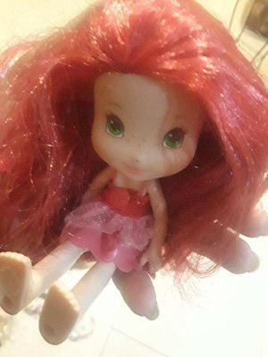 Strawberry shortcake and Bratz collection 2001 edition and up for Sale in Miami, FL