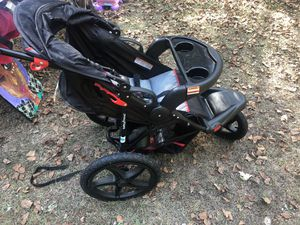 Baby trend jogging stroller. for Sale in McDonough, GA