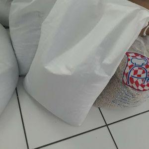 50 Pound RED B E. A. N BAG for Sale in Hialeah, FL