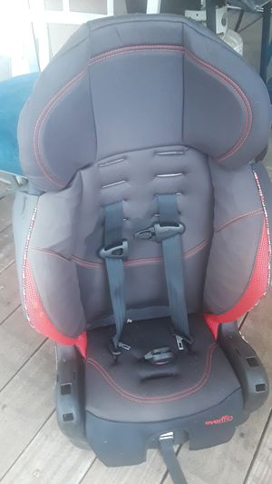 Evenflo black and red car seat for Sale in West Sacramento, CA