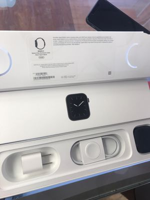 Apple watches series 5 44m GPS for Sale in Hialeah, FL