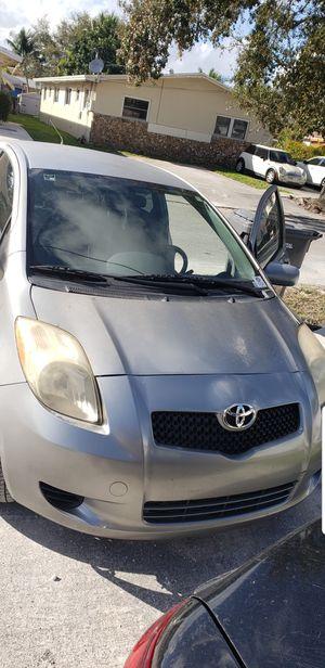 Toyota yaris 2007 for Sale in North Miami, FL