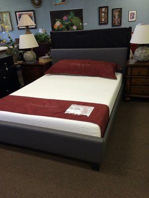 king bed frame for Sale in Glendale, AZ