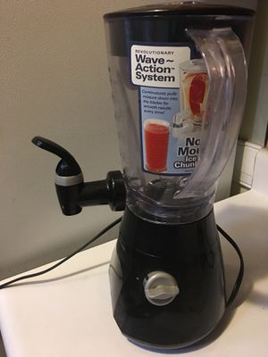 Smoothie juice and soup blender for Sale in Richmond, VA