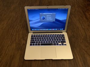 2014 MacBook Air 13in, i5 , 128gb SSD, ISight Webcam, WiFi ,Navy Blue Case, Low cycles for Sale in North Charleston, SC