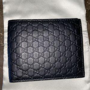 Men's GUCCI wallet for Sale in Menifee, CA