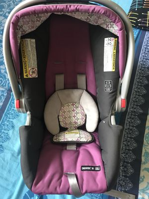 Graco Infant rear car seat in excellent condition for Sale in Woonsocket, RI