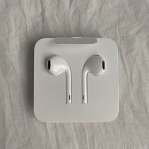 Apple Headphones for Sale in St. Petersburg, FL