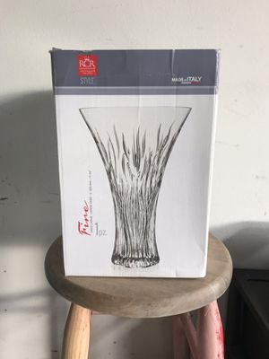 Large Glass Vase (Never Used) for Sale in Union Park, FL