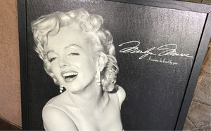 26x38 Marilyn Monroe (I want to be loved by you) huge great large size picture frame very nice and sturdy in black ready to hang $20 for Sale in Riverbank, CA