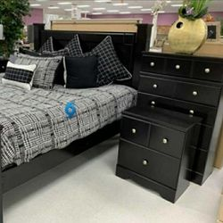 ♦️Shay Black Poster Bedroom Set 🌜Instock for Sale in Arlington,  VA