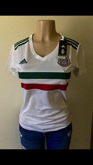 BRAND NEW MEXICO 🇲🇽 SHIRT SIZE MEDIUM FOR WOMENS ...$30 dlls ....FIRM/NO DELIVERY/NO TRADES for Sale in Colton, CA