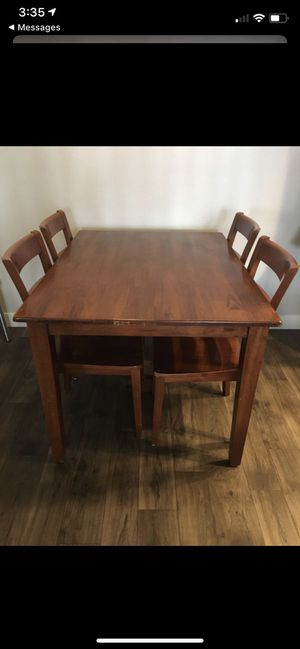 Dining table for Sale in Huntington Beach, CA