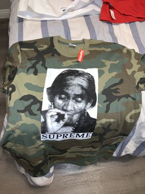 Supreme T shirt size Large for Sale in Silverado, CA