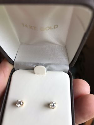 Beautiful Natural Diamond Earrings.50ctw for Sale in Olympia, WA