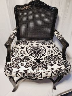 ***Vintage Custom Upholstered Arm Chair*** for Sale in Woodinville,  WA
