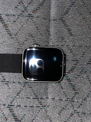 Apple Watch Series 5 44MM ! For Parts ! for Sale in Rancho Dominguez, CA