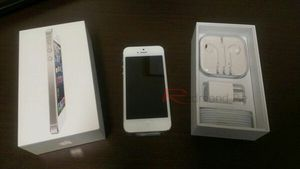 Iphone 5 unlocked for Sale in Queens, NY