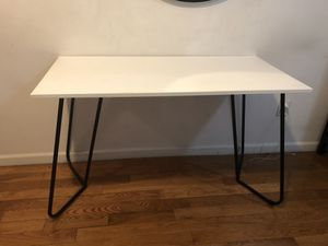 White desk or kitchen table for Sale in New York, NY