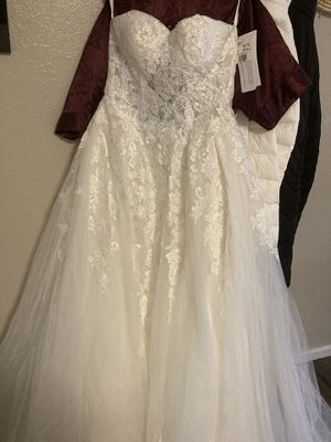 Size 0 ivory wedding dress for Sale in Chelmsford, MA