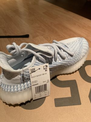adidas yeezy boost v2 cloud non ref, size 5 for Sale in Springfield, VA